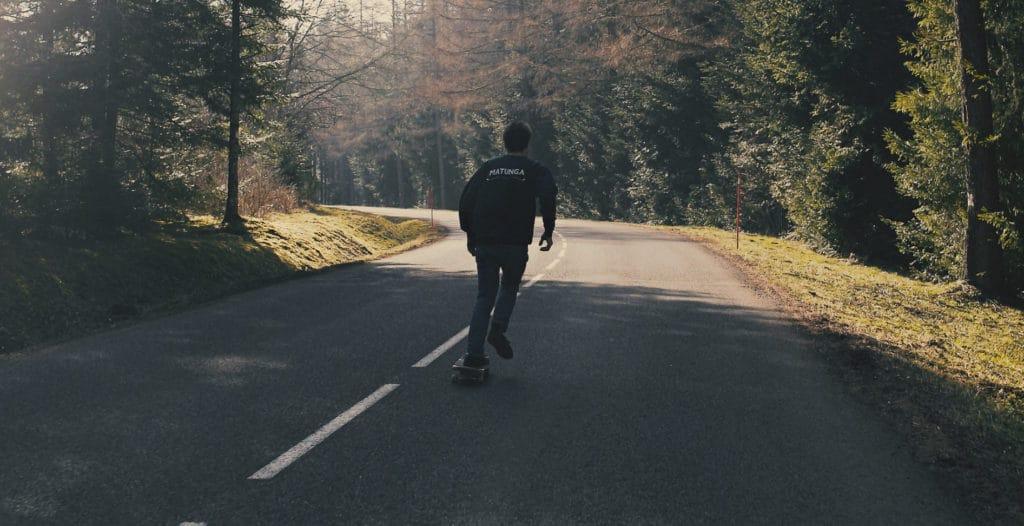 Sur le tournage de… Faire la planche, la vidéo de skateboard revisitée